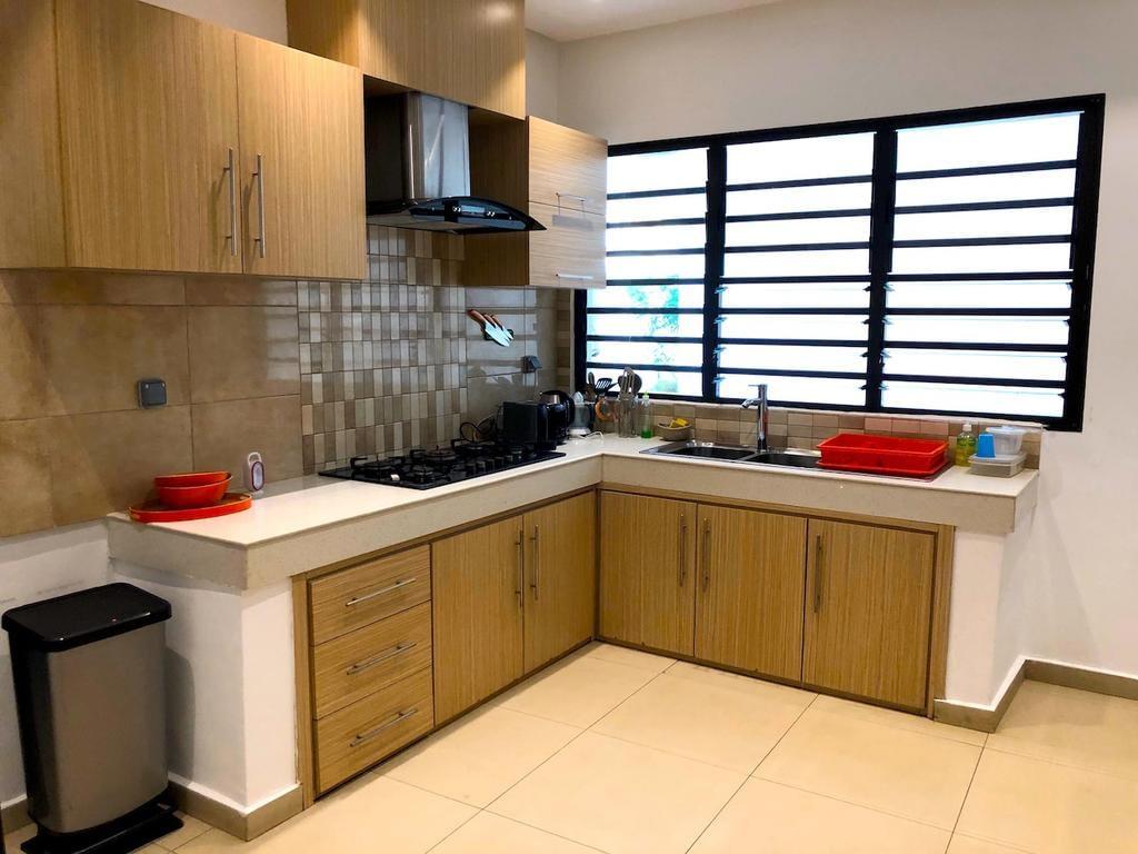 Abidjan - Villa Rouge